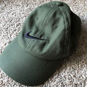 Nike authentic adjustable army green hat